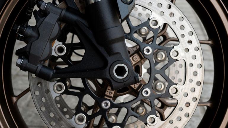 Frenos de disco de moto. Taller el Paso 2000