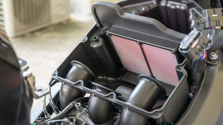 Filtro de aire de moto. Taller el Paso 2000